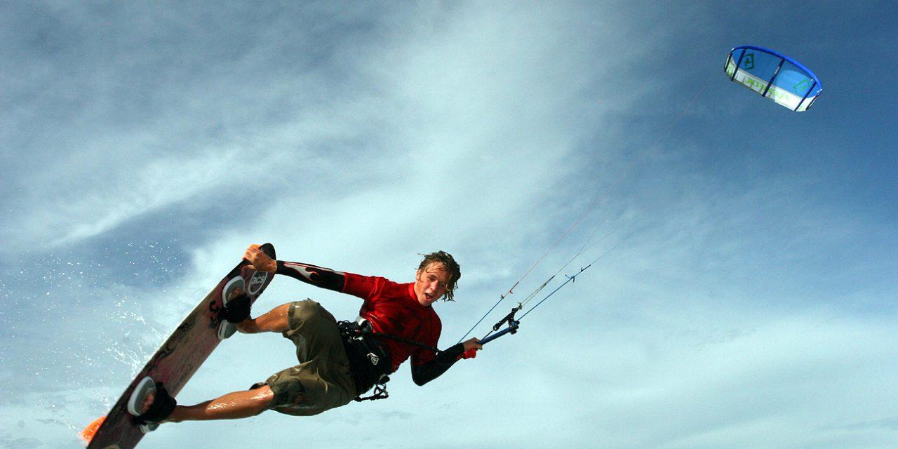 Le kite surf a le vent en poupe